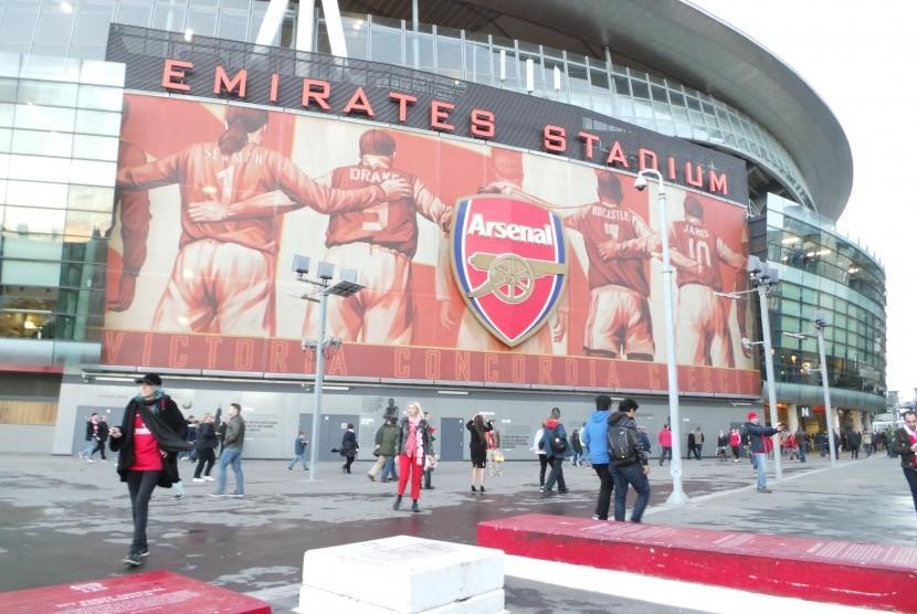 mengintip kemegahan emirates stadium di