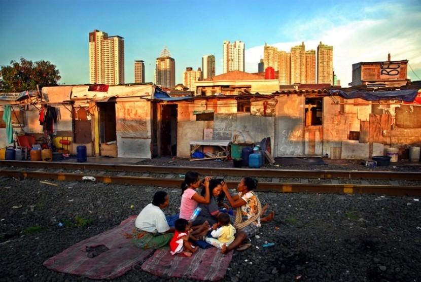 Image result for mengurangi kemiskinan