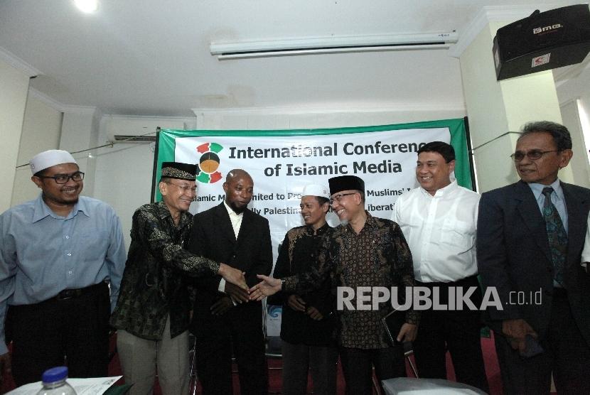 Keterangan pers jelang pelaksanaan Konferensi Internasional Media Islam (International Conference of Islamic Media-ICIM ) di Jakarta, Senin (23/5). (Republika/Rakhmawaty La'lang)
