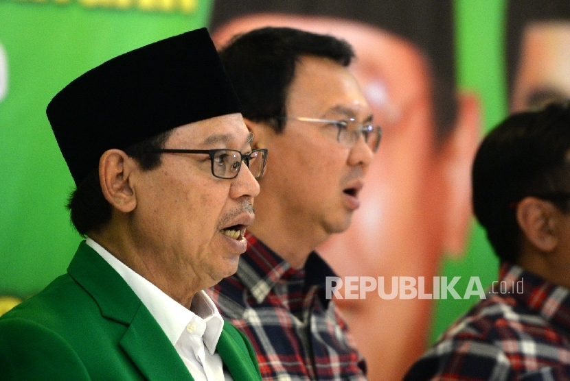 Ketua Umum DPP PPP Djan Faridz (kiri) bersama Gubernur DKI Jakarta Basuki Tjahaja Purnama (Ahok)