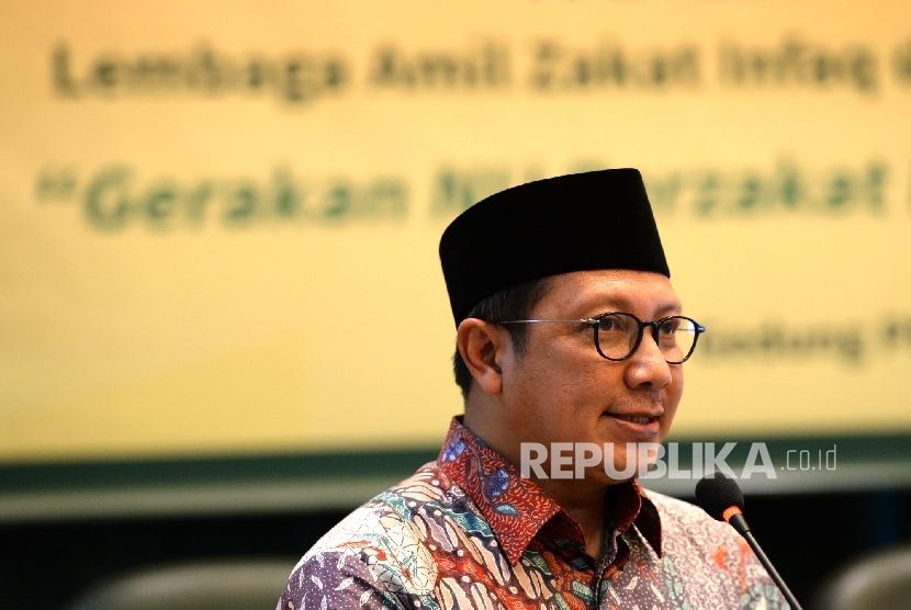 Menteri Agama Lukman Hakim Saifuddin memberikan paparan saat pembukaan Rapat Koordinasi Nasional Lazis NU di Gedung PBNU, Jakarta, Kamis (26/5). (Republika/Wihdan)