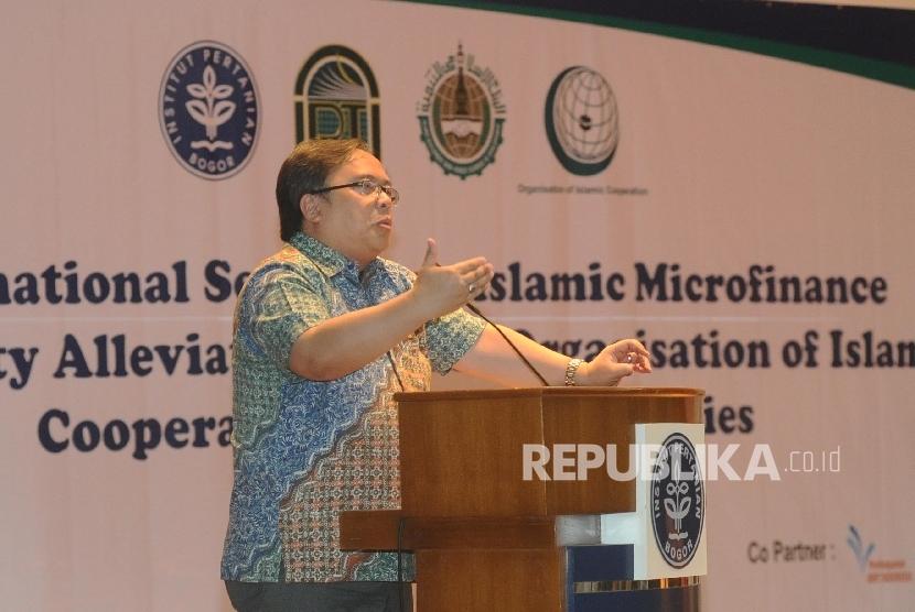 Menteri Keuangan Bambang Brodjonegoro berbicara dalam seminar Intenasional di Institut Pertanian Bogor, Jawa Barat, Sabtu (14/5)