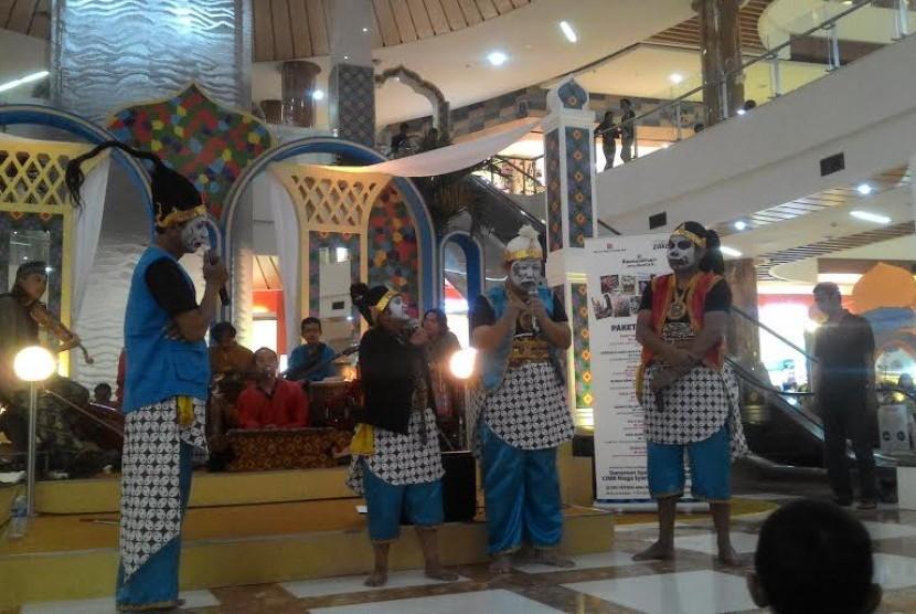 Pertunjukan Ada Apa dengan Gareng di Bintaro.