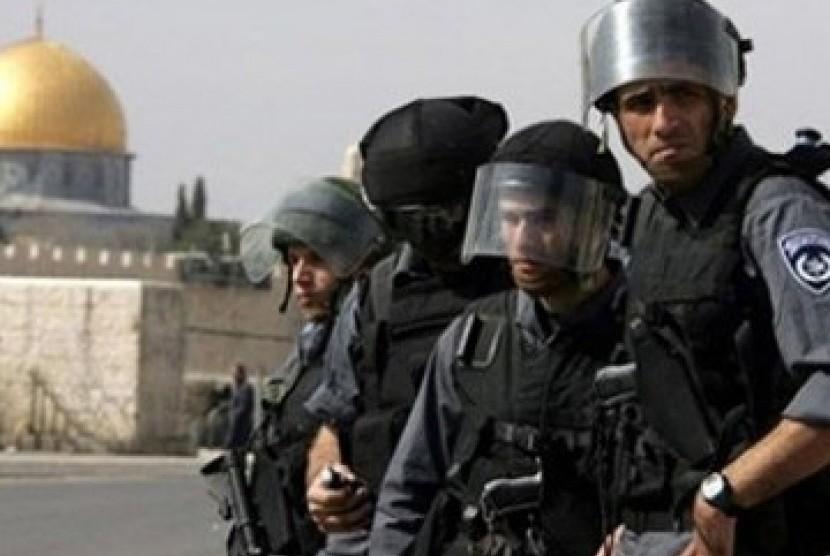 Polisi Israel ketika beraksi.