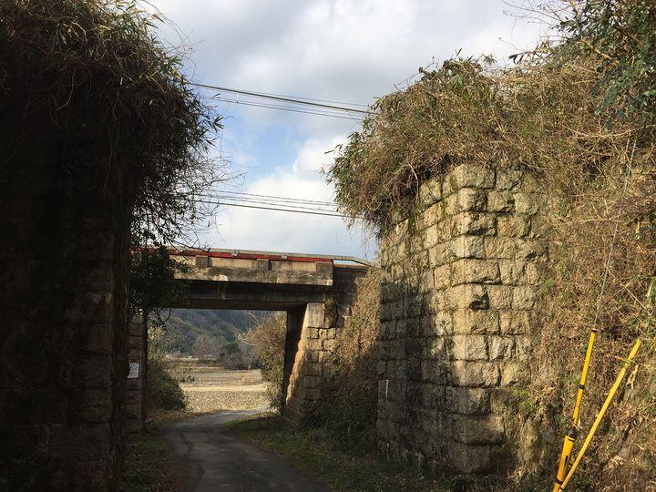 幻の鉄道「奈良の大仏線」廃線跡を巡るハイキングがひそかなブーム!