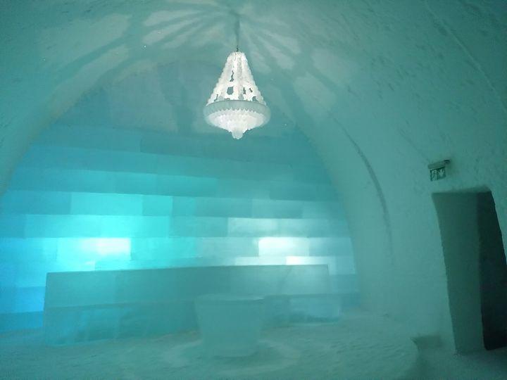 「アナと雪の女王」の世界!建物もベットもすべて氷でできたアイスホテルにスウェーデンで泊まってみた!