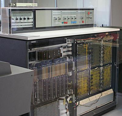 IBM System/360 Model 20. TROS modules are on the left side. Photo from Ben Franske, CC BY 2.5.