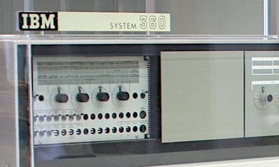Customer engineering control panel for the IBM S/360 Model 20. Photo by Ben Franske, CC BY-SA 2.5.