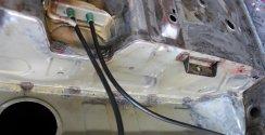 Tankbefestigung (Rostansatz) - vor dem kombinierten Strahlen