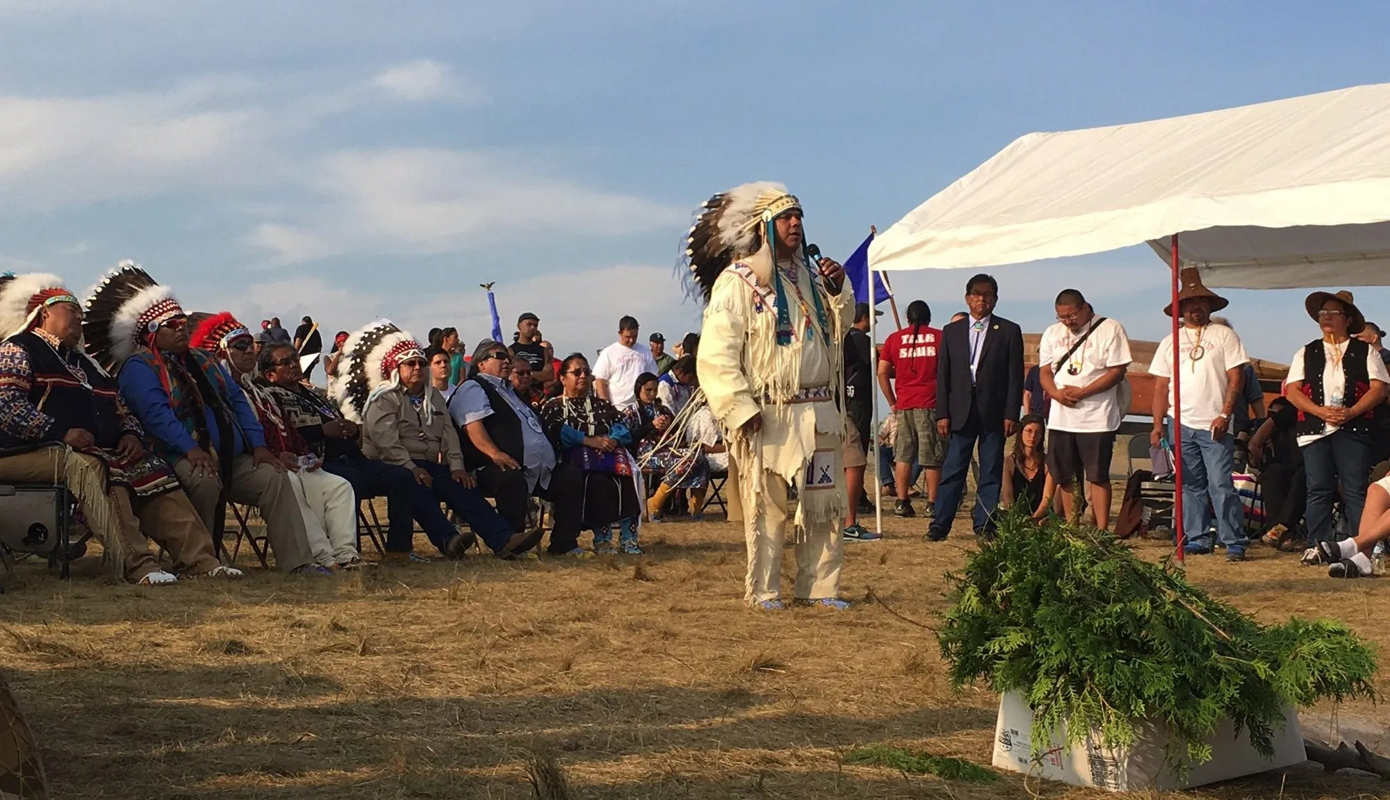 JoDe Goudy, chairman of the Yakama Nation, addresses the Standing Rock Sioux and tribal members from around the nation in Cannon Ball, N.D., in an effort to stop construction of an oil pipeline. (Yakama Nation)