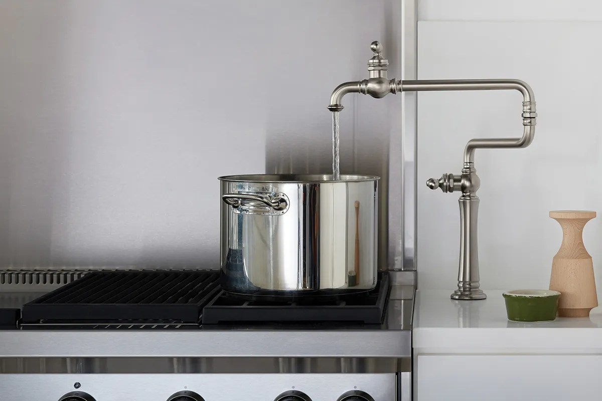 pot filler faucet adds convenience for
