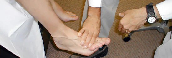 bunion pain foot examination