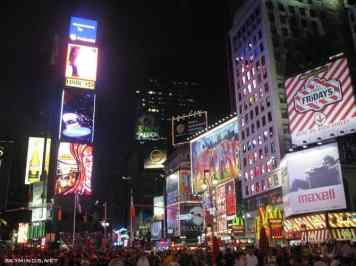 New York City : 5th Avenue, Rockefeller Center, St Patrick's Cathedral, Flatiron Building, Madison Square Park, Shake Shack's, Little Italy, Soho, Greenwich Village, Time Square photo 3
