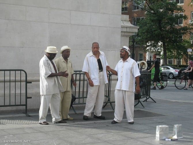 New York City : 5th Avenue, Rockefeller Center, St Patrick's Cathedral, Flatiron Building, Madison Square Park, Shake Shack's, Little Italy, Soho, Greenwich Village, Time Square photo 6