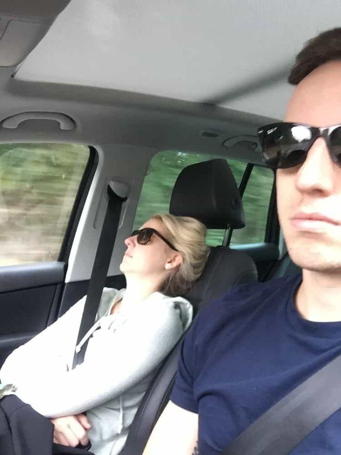 road-trip-sleeping-wife-pictures-husband-mrmagoo21-13-5a434c9708ef8-jpeg__700