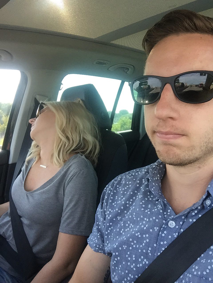 road-trip-sleeping-wife-pictures-husband-mrmagoo21-2-5a434c7e5bc2e__700