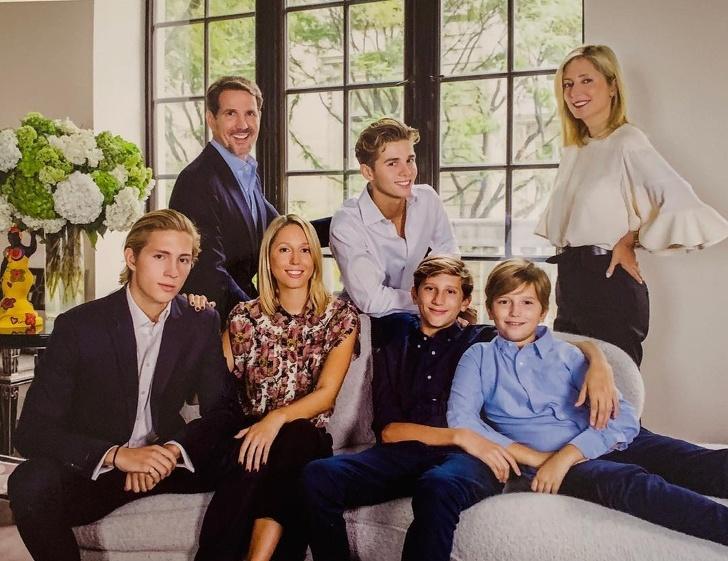 Qué enseñan a sus hijos las personas que ocupan los primeros puestos de la lista Forbes