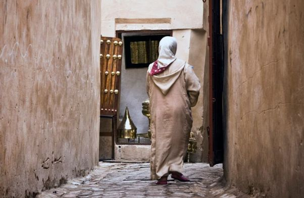 Resultado de imagen de madre afgana vende hija por agua