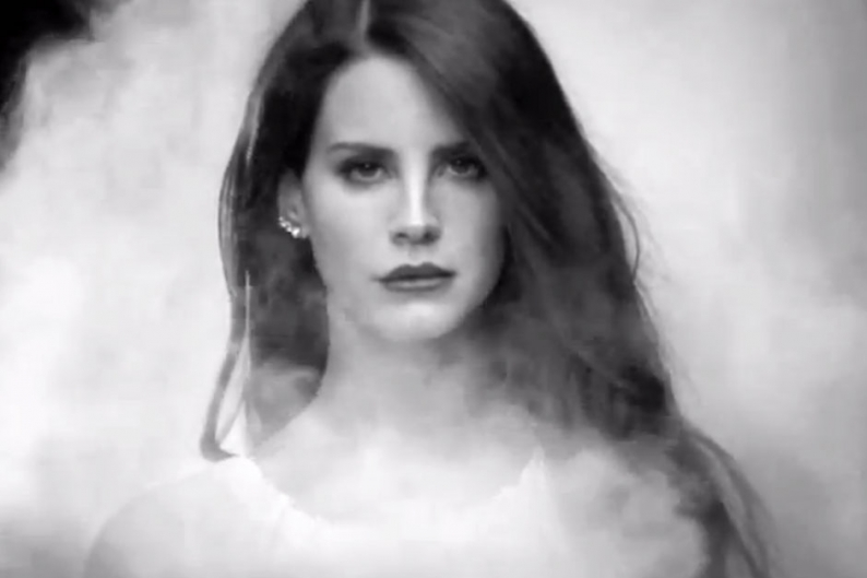 Lana Del Rey Shrouds Bel Air In Smoke SPIN