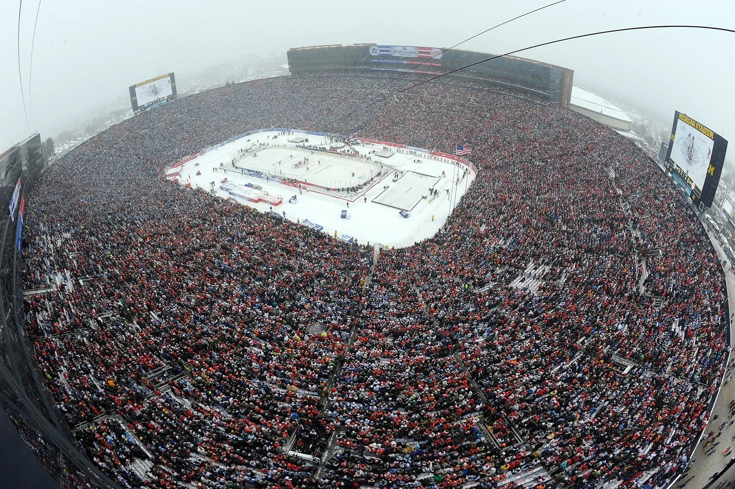 The Biggest Ice Hockey Game Ever 2014 Winter Classic