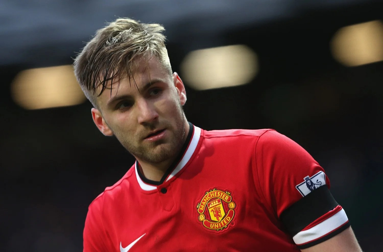 Luke Shaw Helps Out Of Pocket Manchester United Fan After
