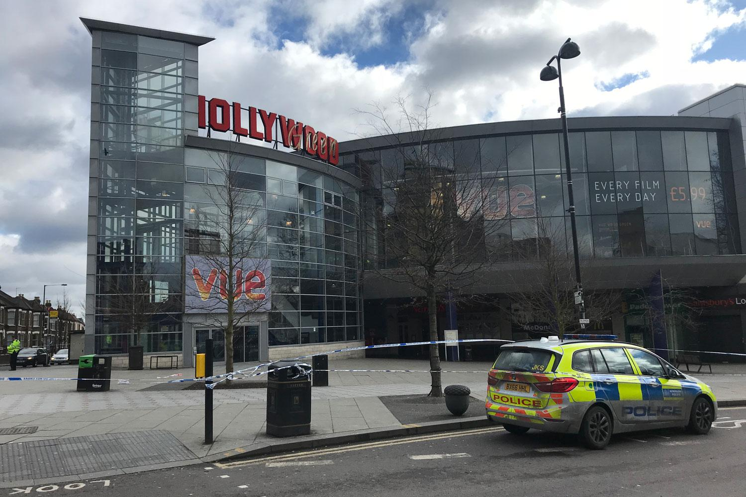 19 Year Old Shot Dead In Wood Green At Entrance To Cinema