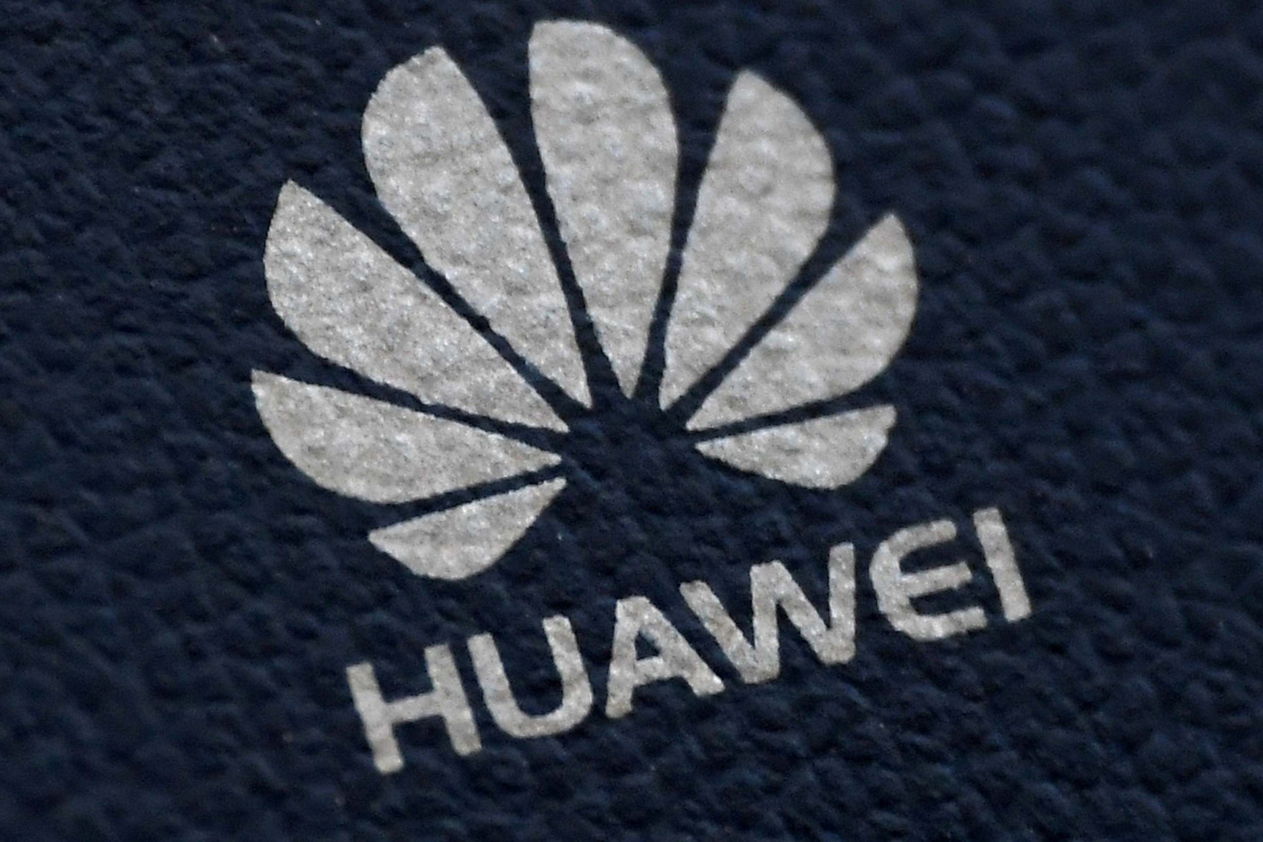 Huawei says it's 'open to discussions' with No10 amid 5G ban reports