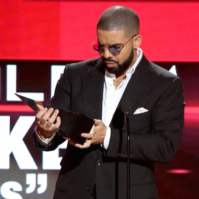 LOS ANGELES, CA - NOVEMBER 20:  Drake accepts the award for Favorite Album - Rap/Hip Hop for ÒViewsÓ  onstage during the 2016 American Music Awards held at Microsoft Theater on November 20, 2016 in Los Angeles, California.  (Photo by Michael Tran/FilmMagic)