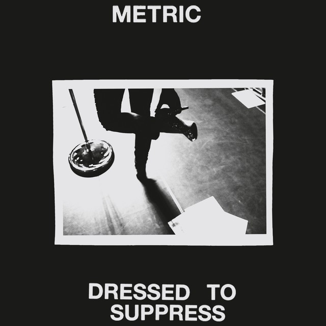 Metric Dressed To Suppress