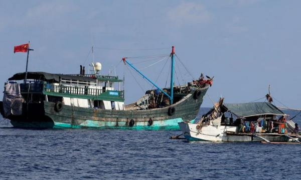 الفلبين ترفض حظر الصيد الصيني ، وتحمي السفن الصينية ، SE Asia News & Top Stories