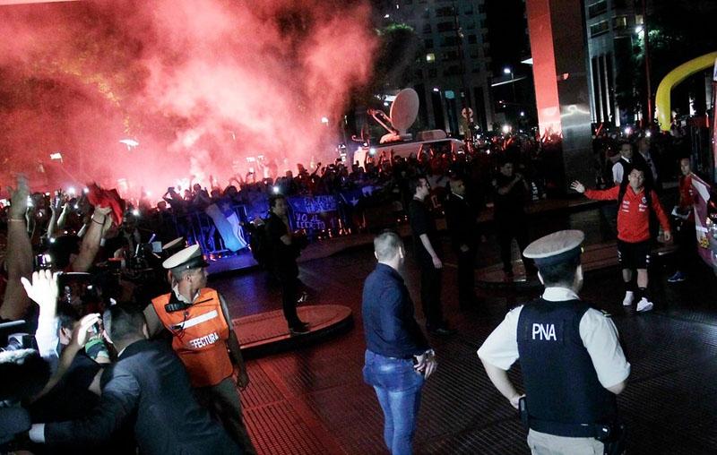 """""""La Roja"""" ya está en Buenos Aires para enfrentar a Argentina por Clasificatorias"""