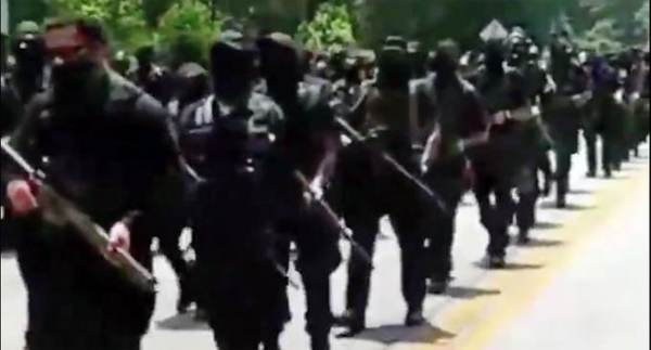 Armed Black NFAC Protesters March at Stone Mountain in Georgia on 4th of July — Bait White Militias for Armed Conflict