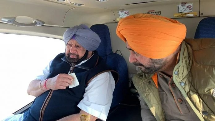 Punjab Chief Minister Amarinder Singh and his party colleague Navjot Singh Sidhu | Twitter | @RT_MediaAdvPbCM
