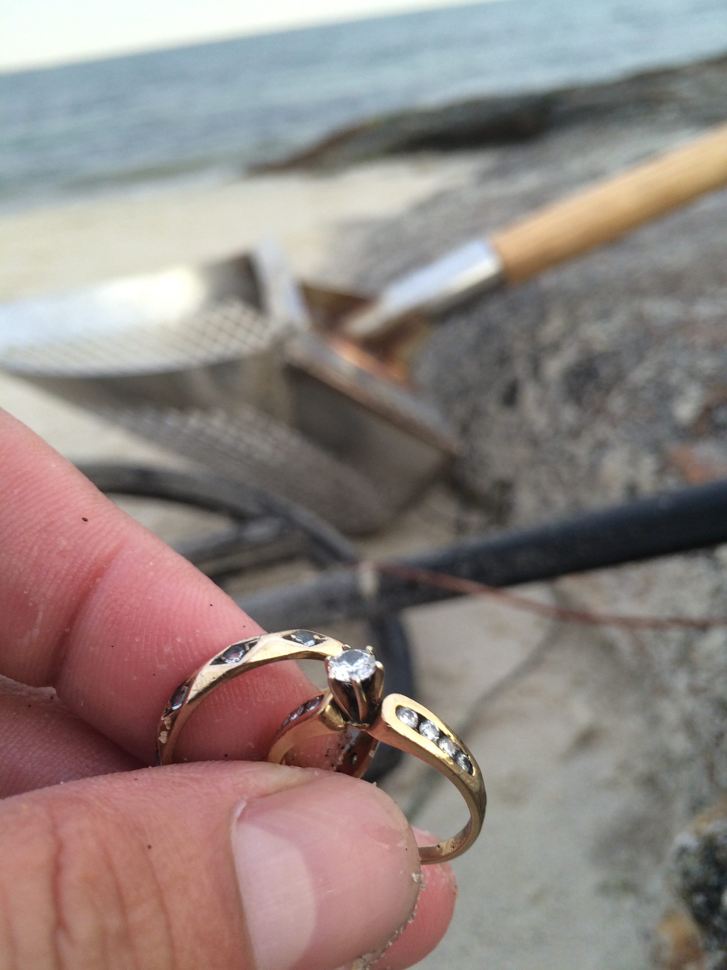 Lost Gold Rings At Seaside State Park Waterford Ct Found