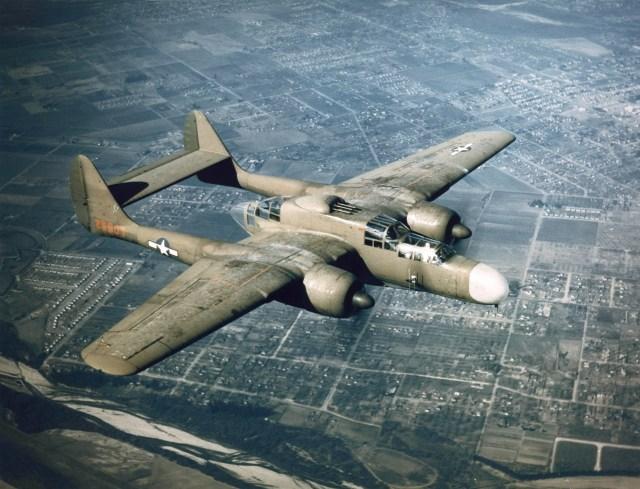 Northrop P 61 green airborne - AERONAVES (QUASE) FAMOSAS: Northrop XP-61 Black Widow