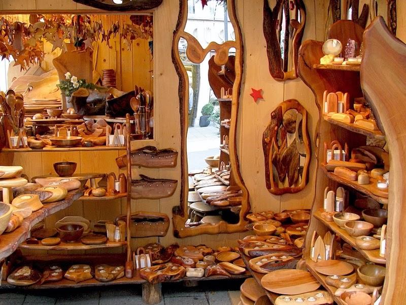 Pameran khusus untuk penjualan kraf kayu
