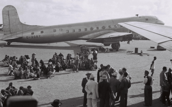 Juifs d'Aden, Yémen, en attente d'évacuation vers Israël le 1er novembre 1949. (GPO / Domaine public)