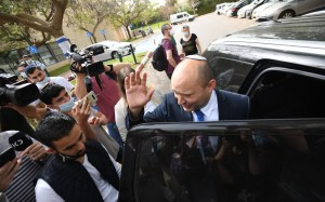 As Netanyahu looks to a fifth election, is he playing Bennett in Lapid's arms?