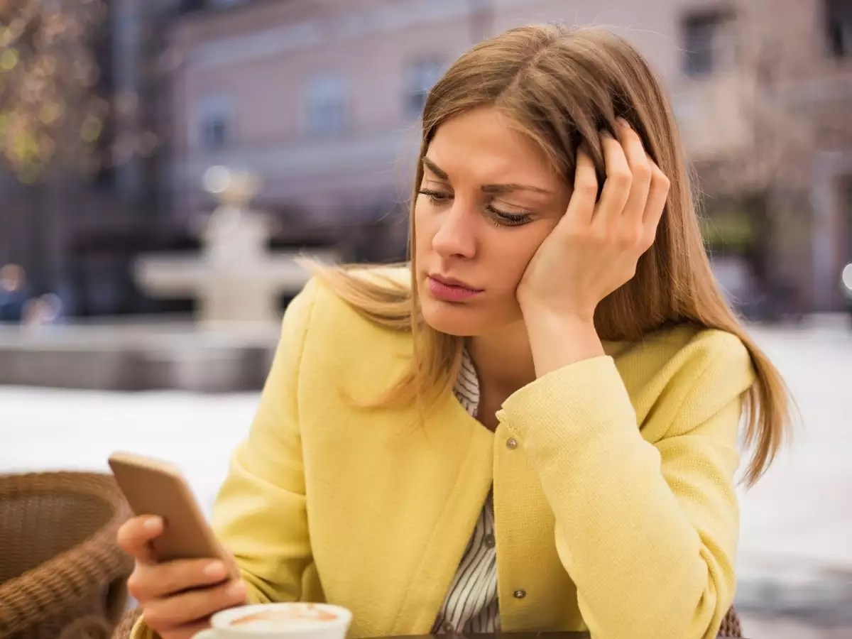 Reasons why the guy hasn't called you even after asking for your number  | The Times of India