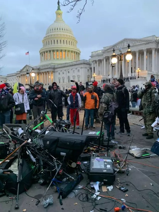US Capitol news: Donald Trump supporters storm US Capitol, disrupting electoral count: Highlights | India News 3