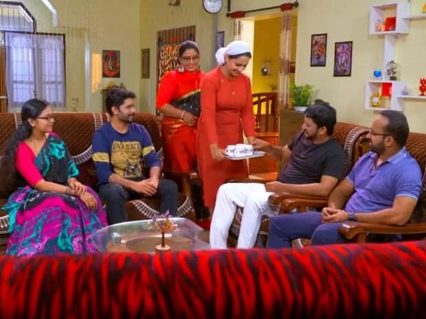 malayalam serial: Kasthooriman update, October 16: Jayesh expresses his  wish to marry Shivani - Times of India