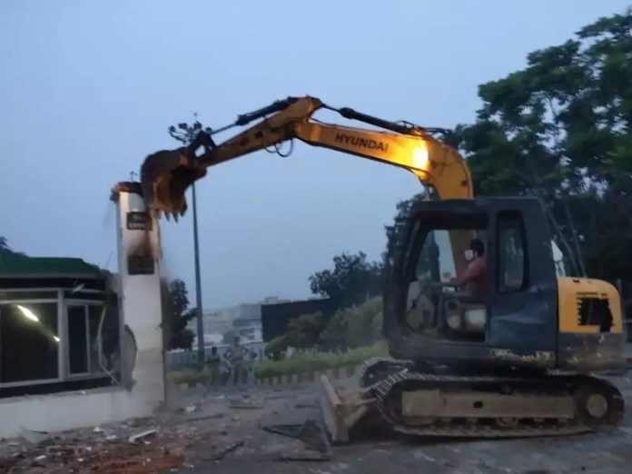 Gitam University Vizag: Demolition in Gitam University creates tension   Visakhapatnam News - Times of India