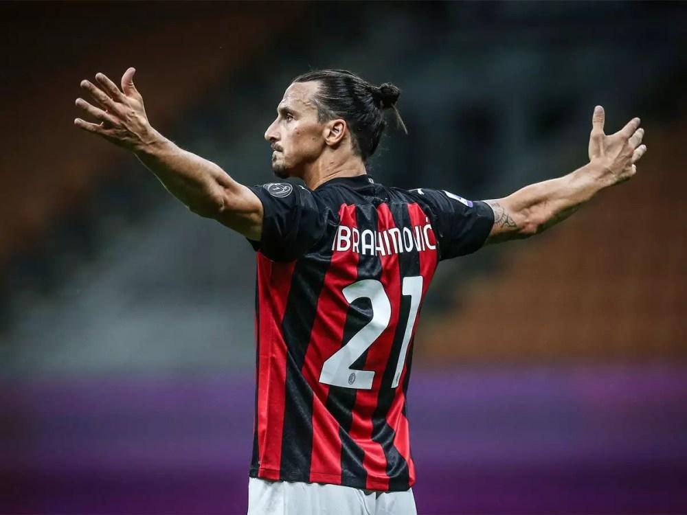 Zlatan Ibrahimovic extends AC Milan contract