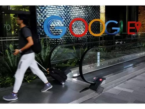 Google: Political talks are 'banned'