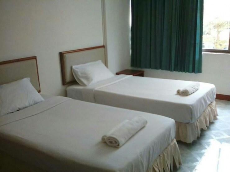 Top 7 Best Cheap Hotels in Phuket 4