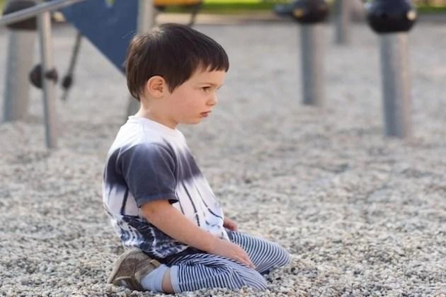 Autismo: o que é, sintomas, causas e tratamento