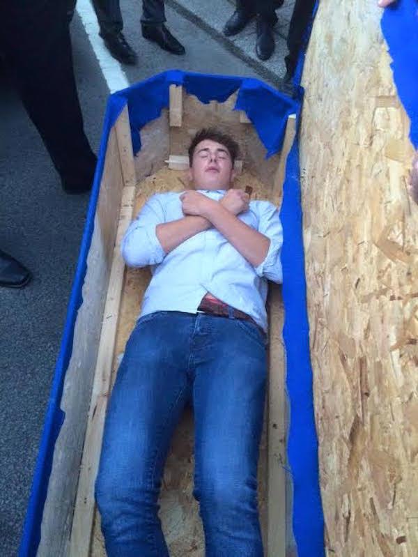 funeral-amigo-namorado-8
