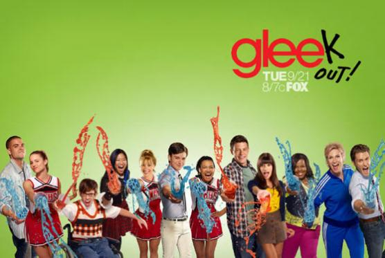 https://i2.wp.com/static.tvfanatic.com/images/gallery/glee-season-2-poster_556x373.jpg