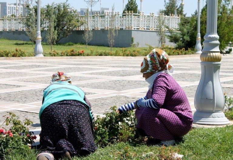 Ashgabat Frauen