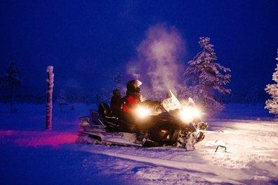 Schneemobil Fahren in Schweden Nix für Bangbüxen